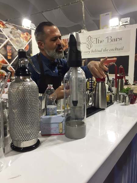 https://www.orogastronomico.it/immagini_news/01-06-2020/mixology-i-cocktail-di-alessandro-melis-600.jpg