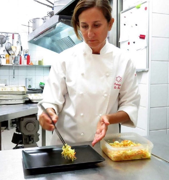 https://www.orogastronomico.it/immagini_news/01-06-2020/patrizia-di-benedetto-stella-michelin-del-bye-bye-blues-600.jpg