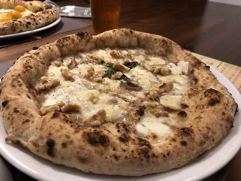 https://www.orogastronomico.it/immagini_news/06-07-2020/messina-pazzi-pizza-saro-caminiti-28791-600.jpg