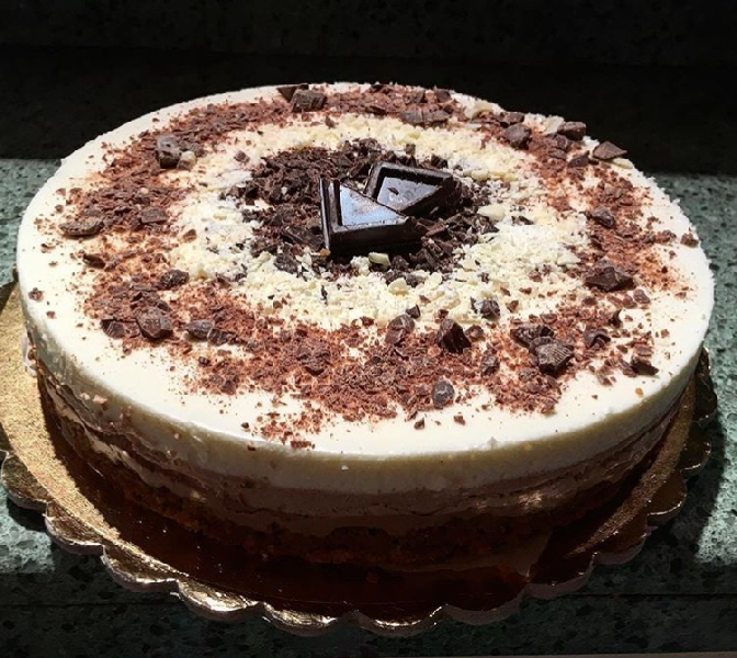 https://www.orogastronomico.it/immagini_news/09-06-2020/cheesecake-al-triplo-cioccolato-600.jpg