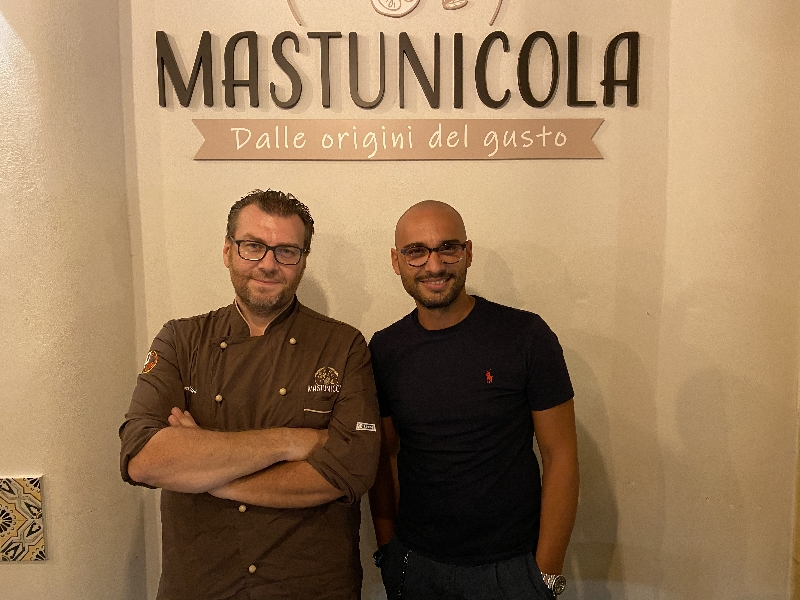 https://www.orogastronomico.it/immagini_news/22-08-2020/mastunicola-pizza-fratelli-billeci-conquista-palati-600.jpg