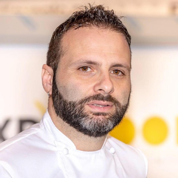 https://www.orogastronomico.it/immagini_news/22-12-2020/natale-cirs-cucina-solidariet-protagonista-chef-paolo-romeo-600.jpg
